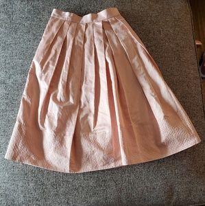 Pleated satin Banana Republic skirt with pockets